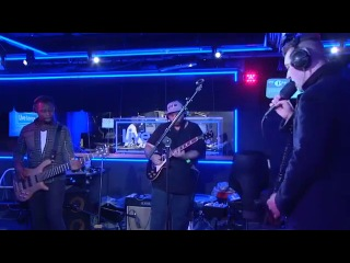 Naughty Boy feat. Sam Smith - La La La (BBC Radio 1Xtra Live Lounge 2013)